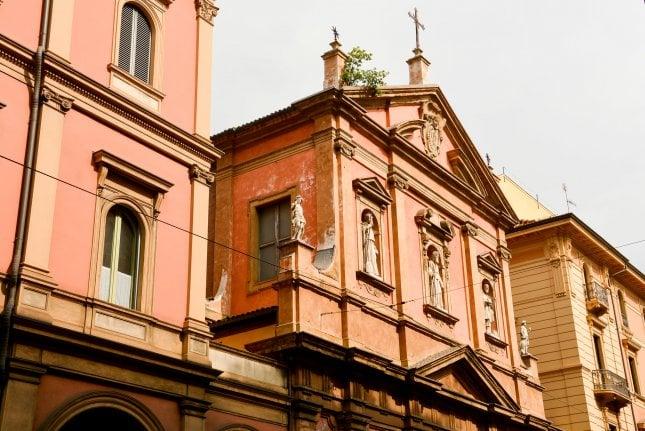 Topologiset tutkimukset droneilla Bolognassa