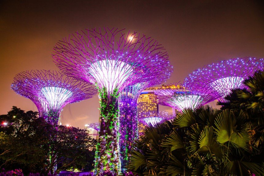 Singaporen futuristinen Gardens by the Bay. Kuva: © Melinda Nagy | Dreamstime.com