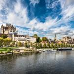 Kaunis, historiallinen Auxerre Ranskan Burgundissa on kuin Pariisi ennen modernisointia