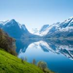 Kuvankauniilta Norjan vuonoalueelta löytyy luonnonystävän Stryn, jossa pääsee hiihtämään jopa kesällä