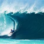 Aalloilla kukaan ei näe kyyneleitäsi ja muut surffauksen alkeet