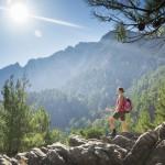 Nautitko retkeilystä luonnossa? Et ole ainoa, sillä vaeltaminen on selkeästi matkailijoiden suosikkiaktiviteetti