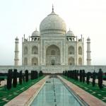Intia suunnittelee rajoittavansa suosituimman nähtävyytensä, Taj Mahalin, turistimäärää