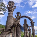 Viidakkopuutarha täynnä portaita, jotka eivät johda mihinkään - Las Pozas on kiehtova nähtävyys Meksikossa