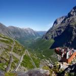 Patikoijien unelmamaisemissa: norjalainen Peikonpolku vie luonnonystävän vuonon pohjalta kohti korkeuksia