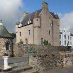Jokaisella linnalla on kummituksensa – eikä Pohjois-Irlannin Ballygally ole poikkeus!