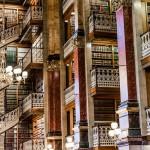 Onko tässä maailman kaunein kirjasto? Yhdysvaltalaiskirjaston pitsikoristeiset portaat ovat kuin sadusta