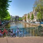 Pyörä alle ja menoksi! Vinkit Amsterdamin polkupyöräviidakossa selviytymiseen