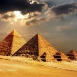 Selviävätkö Egyptin pyramidien arvoitukset vihdoinkin? Tuore tutkimus paljastaa uutta tietoa näiden maailmanihmeiden rakentamisesta