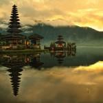 Pyhät paikat rauhaan! Bali pyytää turisteja kunnioittamaan temppeleitään