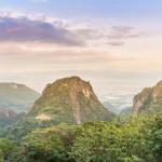 Jalkapallojoukkueen loukkuna olleesta luolasta on tullut suosittu turistikohde Thaimaassa