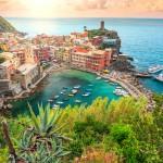 Vernazza on pastellinvärinen helmi Cinque Terressa - Kruunattu myös Italian kauneimmaksi kyläksi