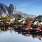 Kesälomalla suunta pohjoiseen? Lofootit ovat kauneinta Norjaa