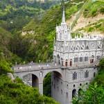 Las Lajasin upea katedraali roikkuu jyrkän rotkon reunalla Kolumbiassa – Rakennelman taustalta löytyy kaunis tarina ihmeparantumisesta